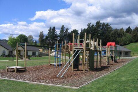 Reservoir Creek Walkway Playground