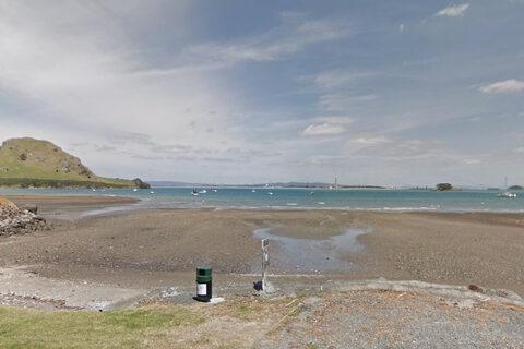 Urquhart's Bay