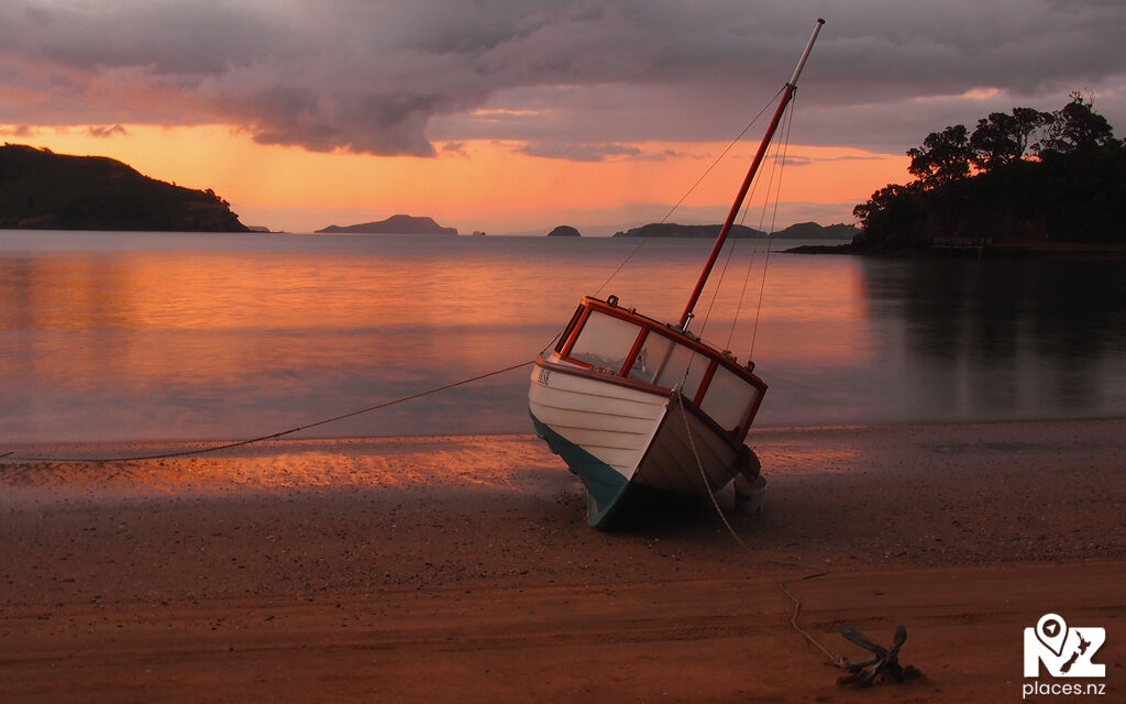 486 photos and 2 videos of Thames-Coromandel for only $99.