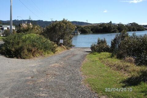 Limeburner's Creek Boat Ramp
