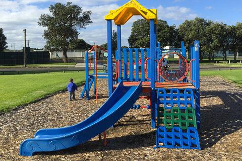 Lundon Park Playground
