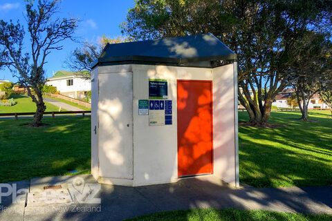 Snells Beach Reserve Public Toilets