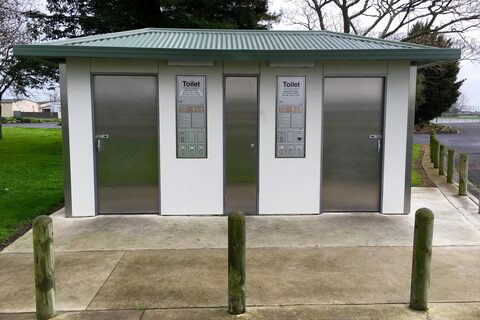 Ngatea Park Public Toilets