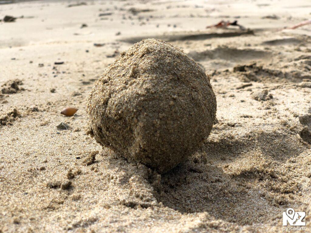 Me Sand Ball