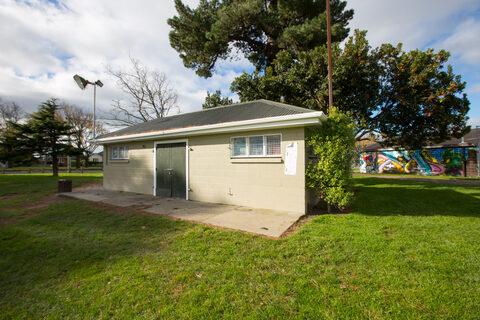 Linwood Park Public Toilets