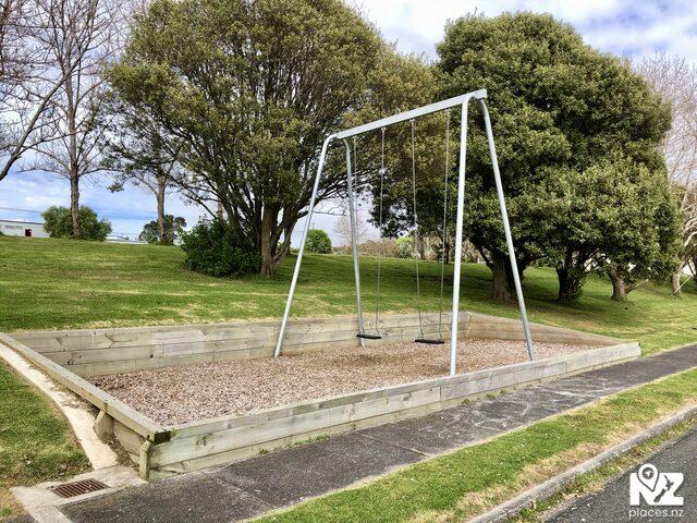 Leigh playground swings