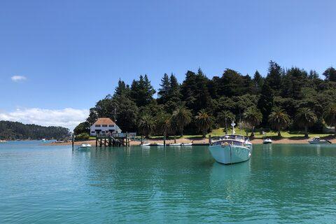Lidgard  Bay