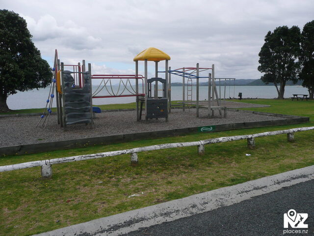 McLeod Bay  Playground