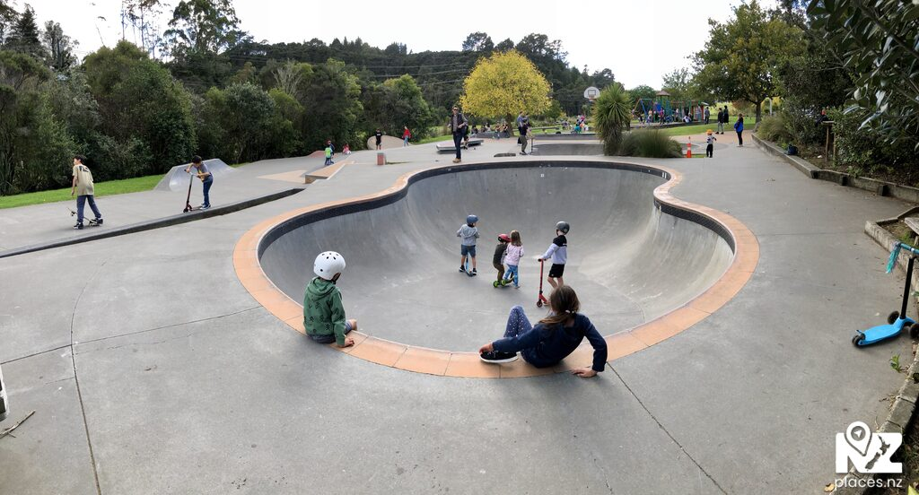 300 photos and 3 videos of skate parks for only $99.