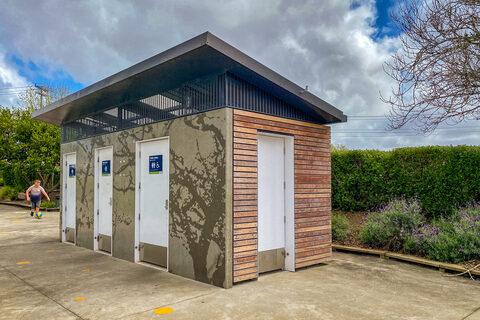 Parrs Park Public Toilets