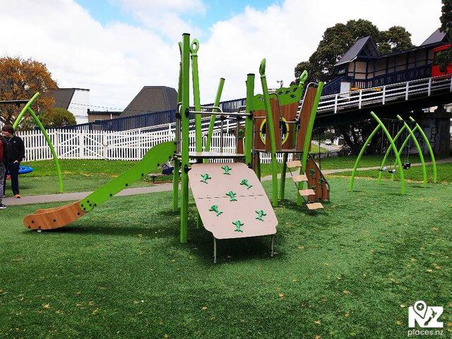 Kelburn Park Playground