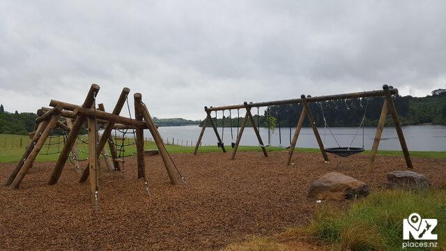 Waipuke Park Playground