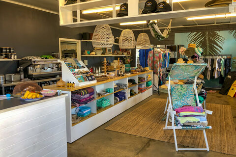Hot Water Beach shops